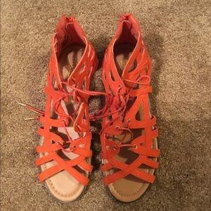 Almost New Shoe Dazzle Sandals